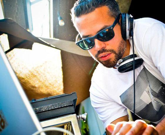 alix_alvarez_exclusive_set_urbanet_radio